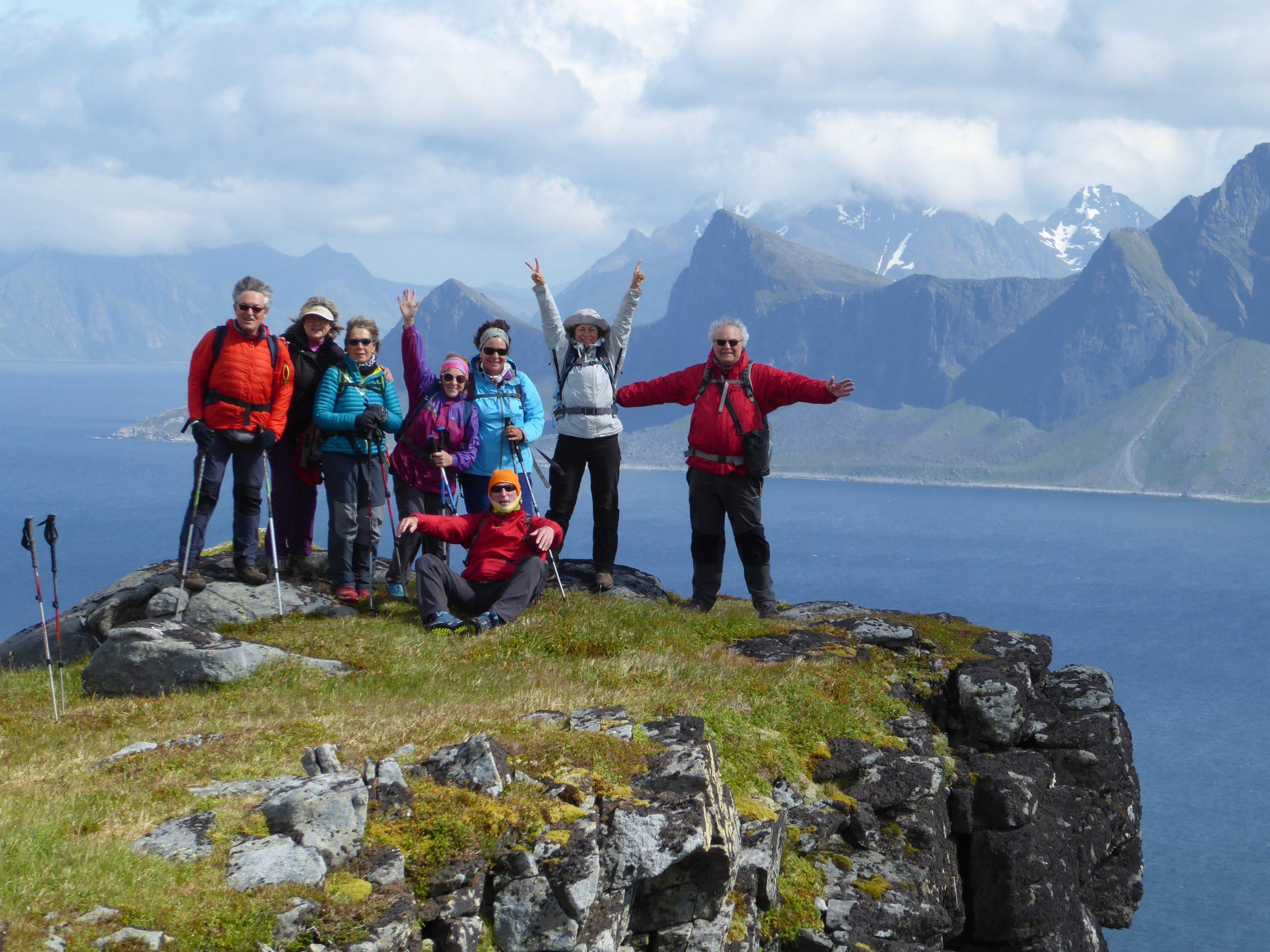 Lofoten, Noruega. Senderismo suave entre el mar, lagos, fiordos y montañas