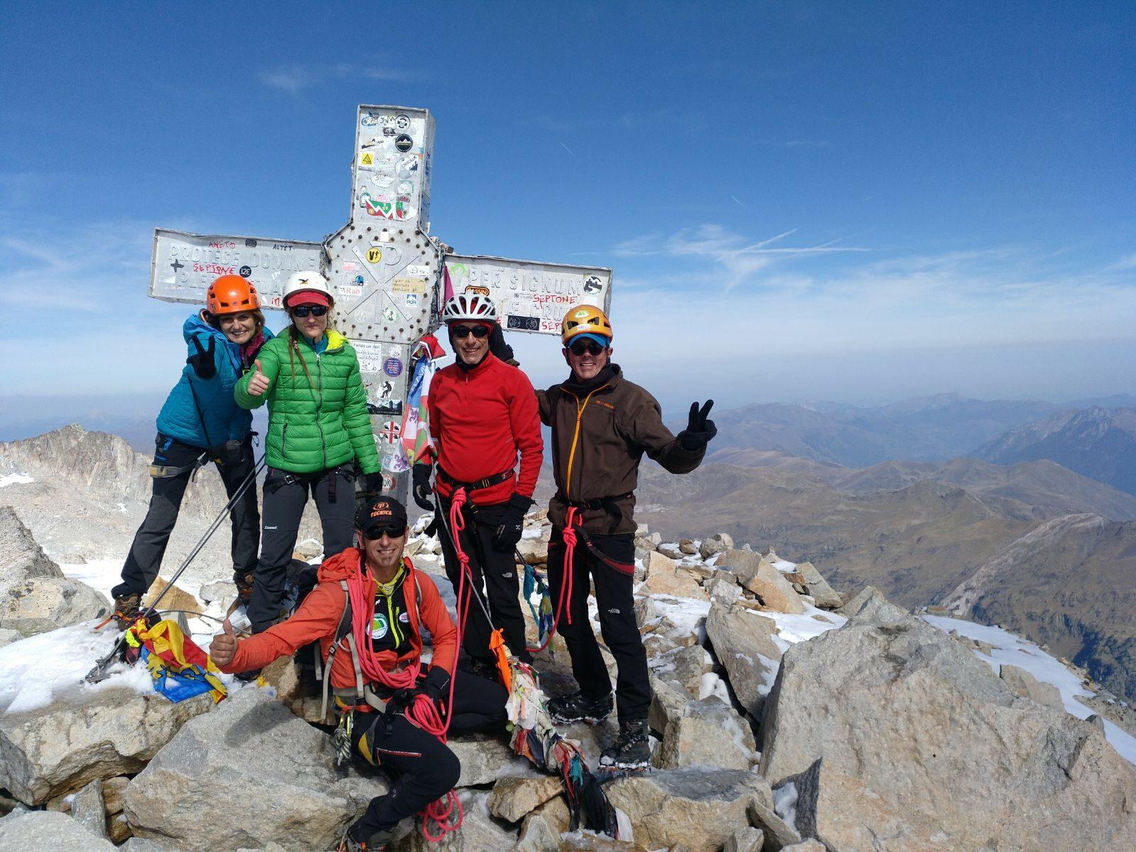 Ascenso al Aneto. La cumbre más alta del Pirineo