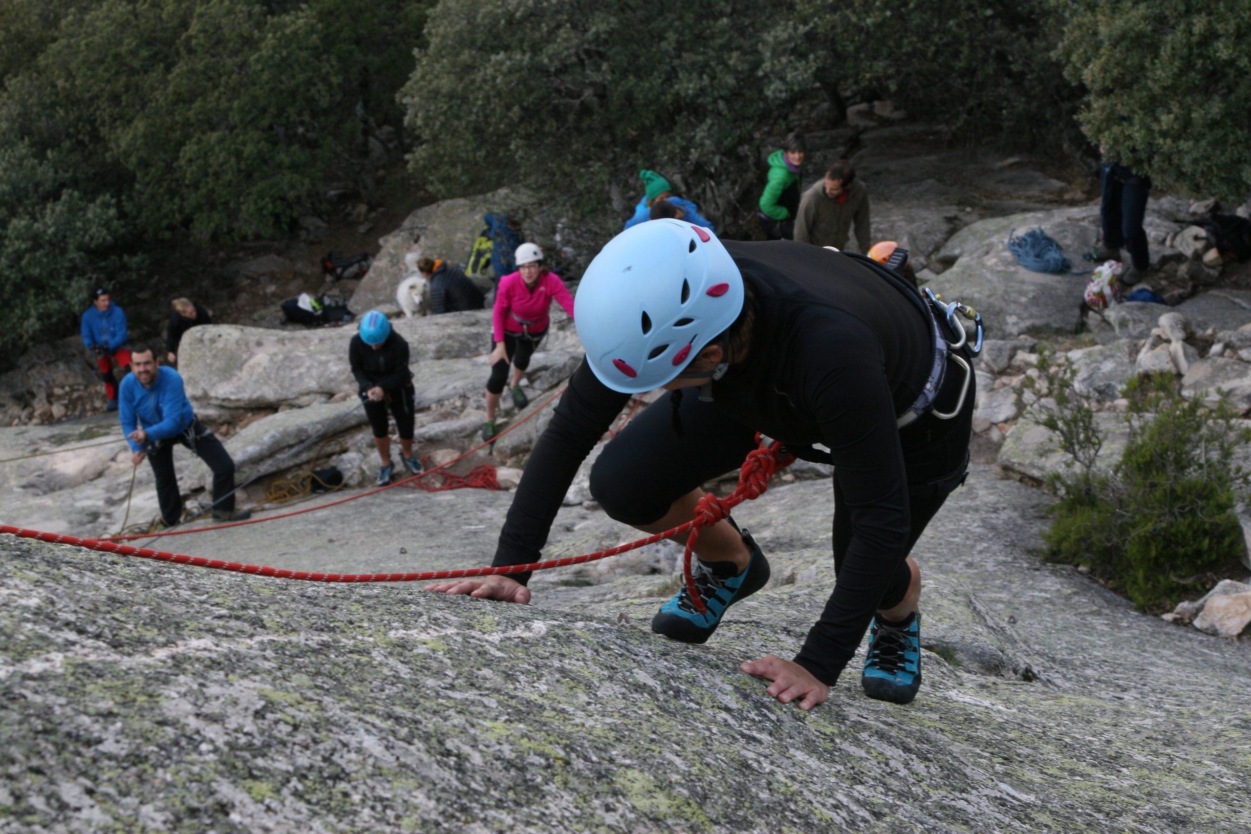Curso de escalada en roca. Nivel 1 (iniciación)