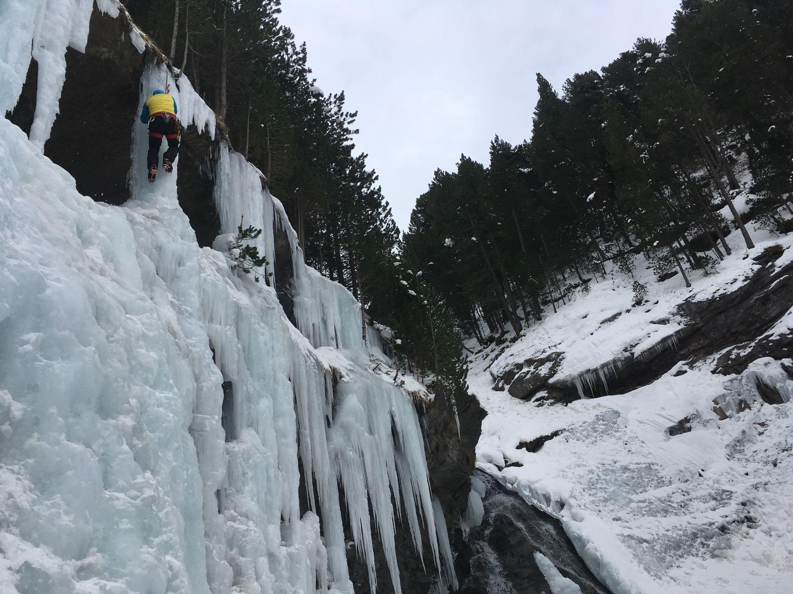 Curso de escalada en hielo (Pirineo Aragonés)