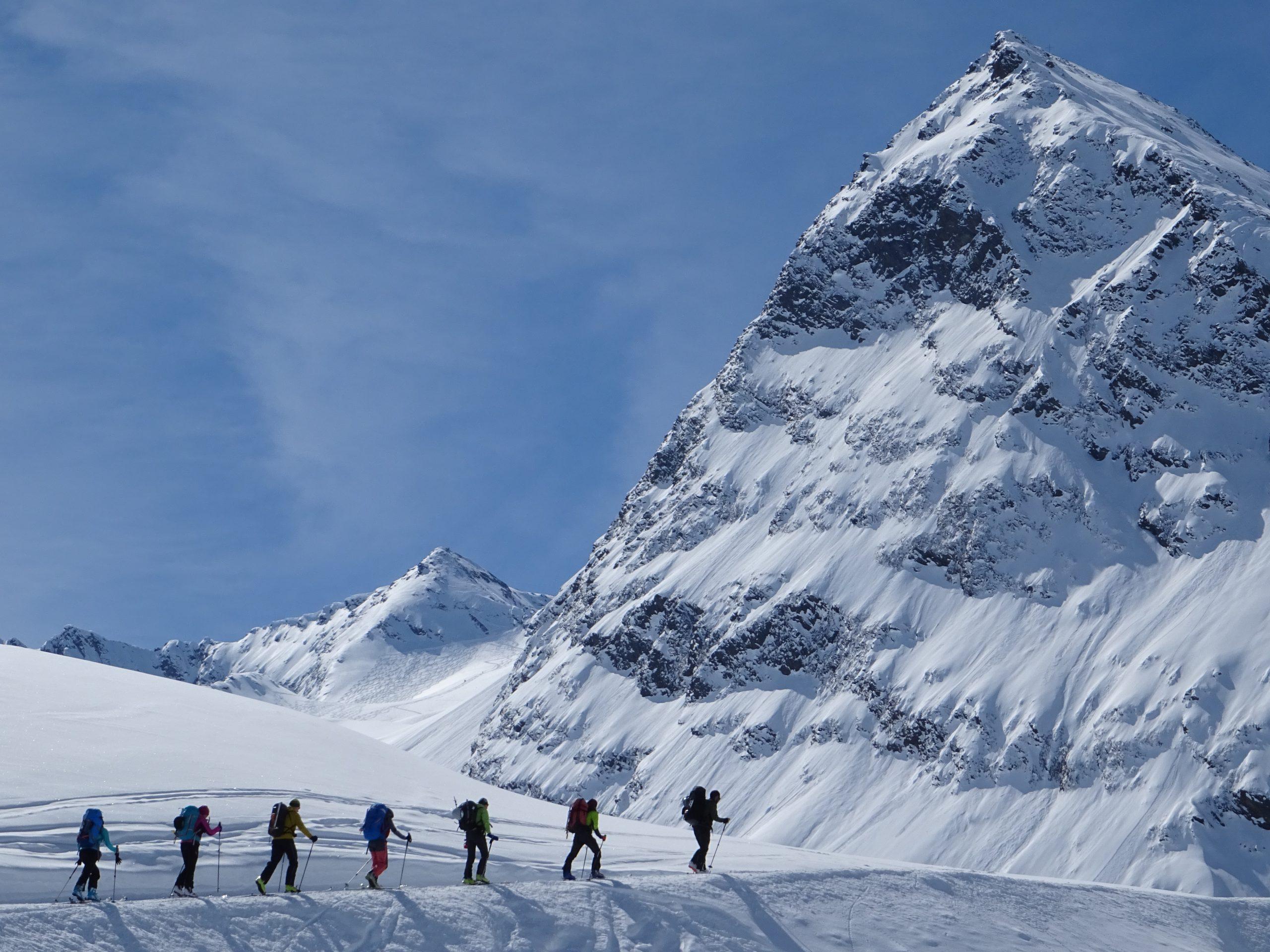 Ötzal. Alta Ruta de Esquí de montaña en Tirol, Austria.