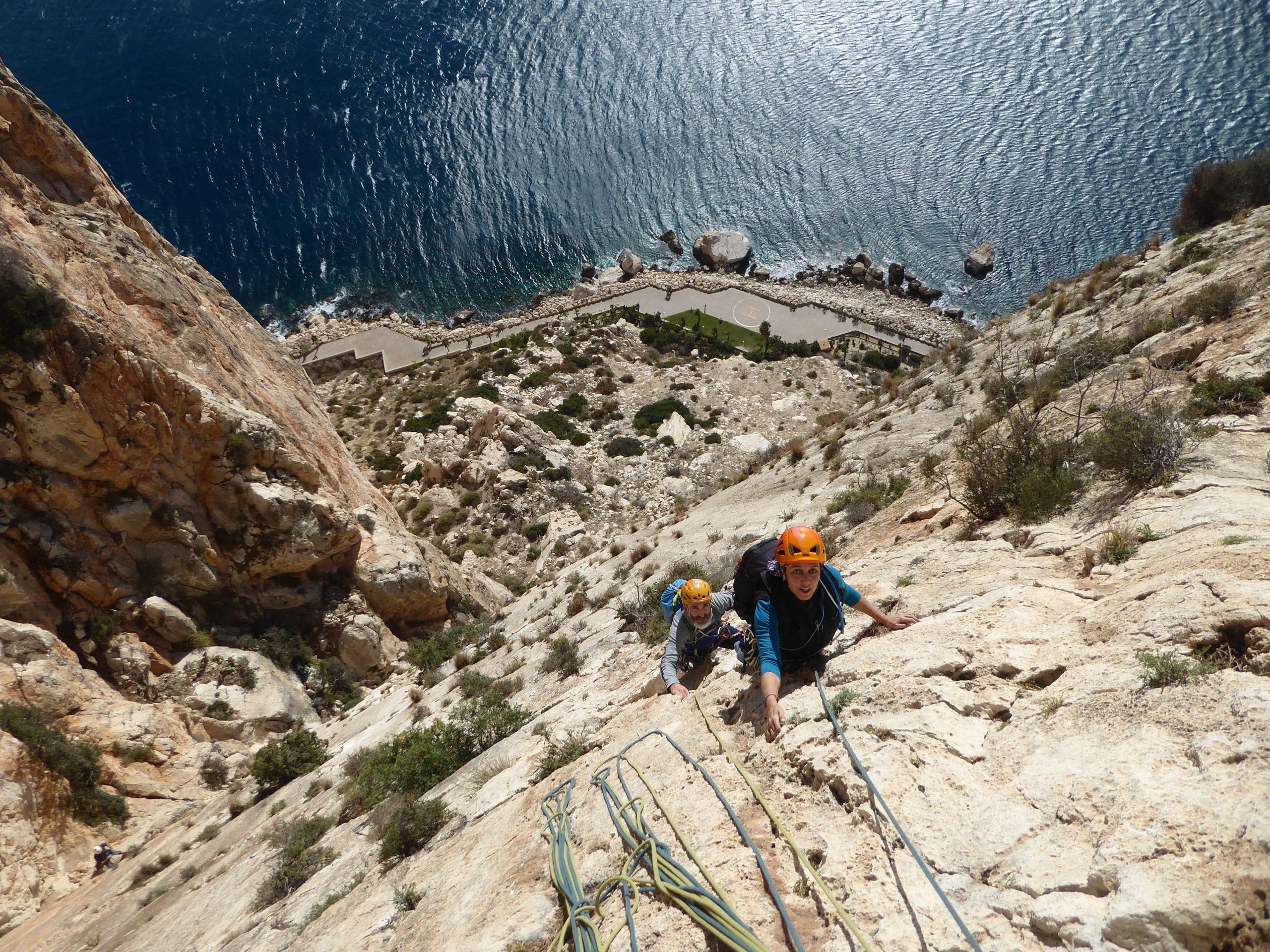Escaladas en Levante. Peñón de Ifach y Aguja Encantada del Puig Campana