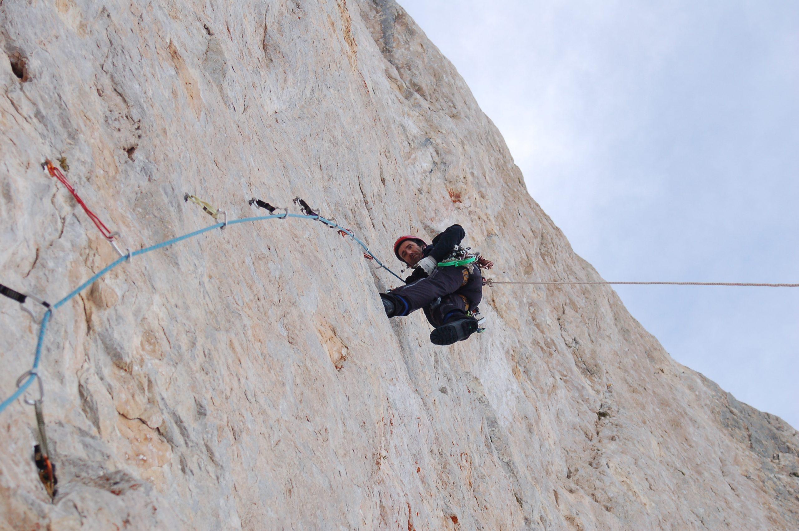Curso de iniciación a la escalada artificial