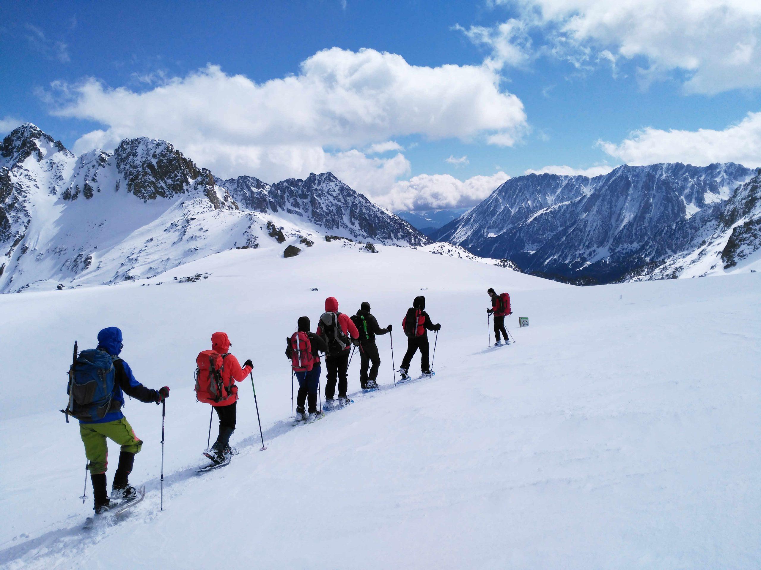Carros de Fuego. Alta Ruta del Pirineo con raquetas de nieve