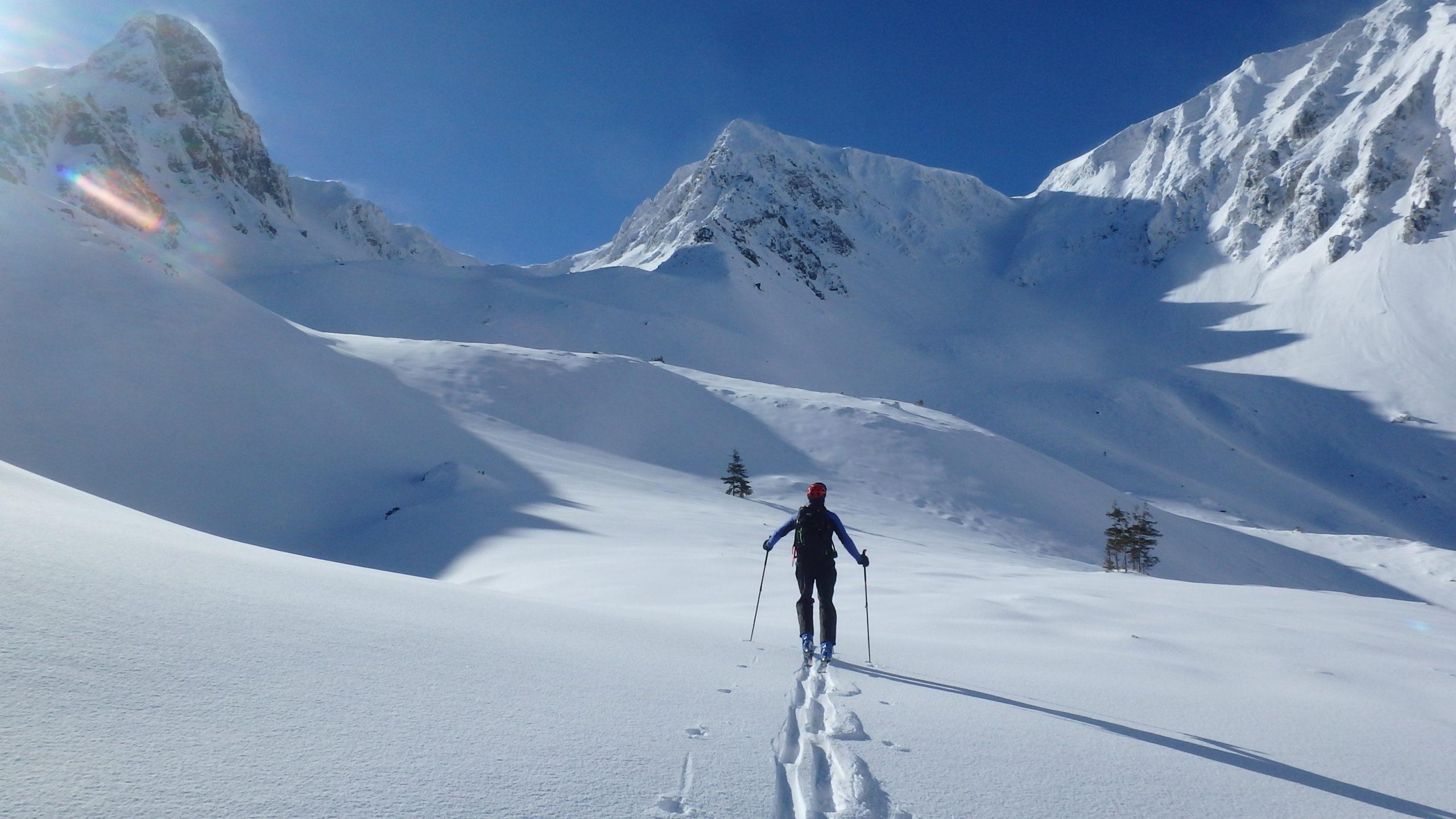 Esquí de montaña en Rumanía. La Cordillera de los Cárpatos