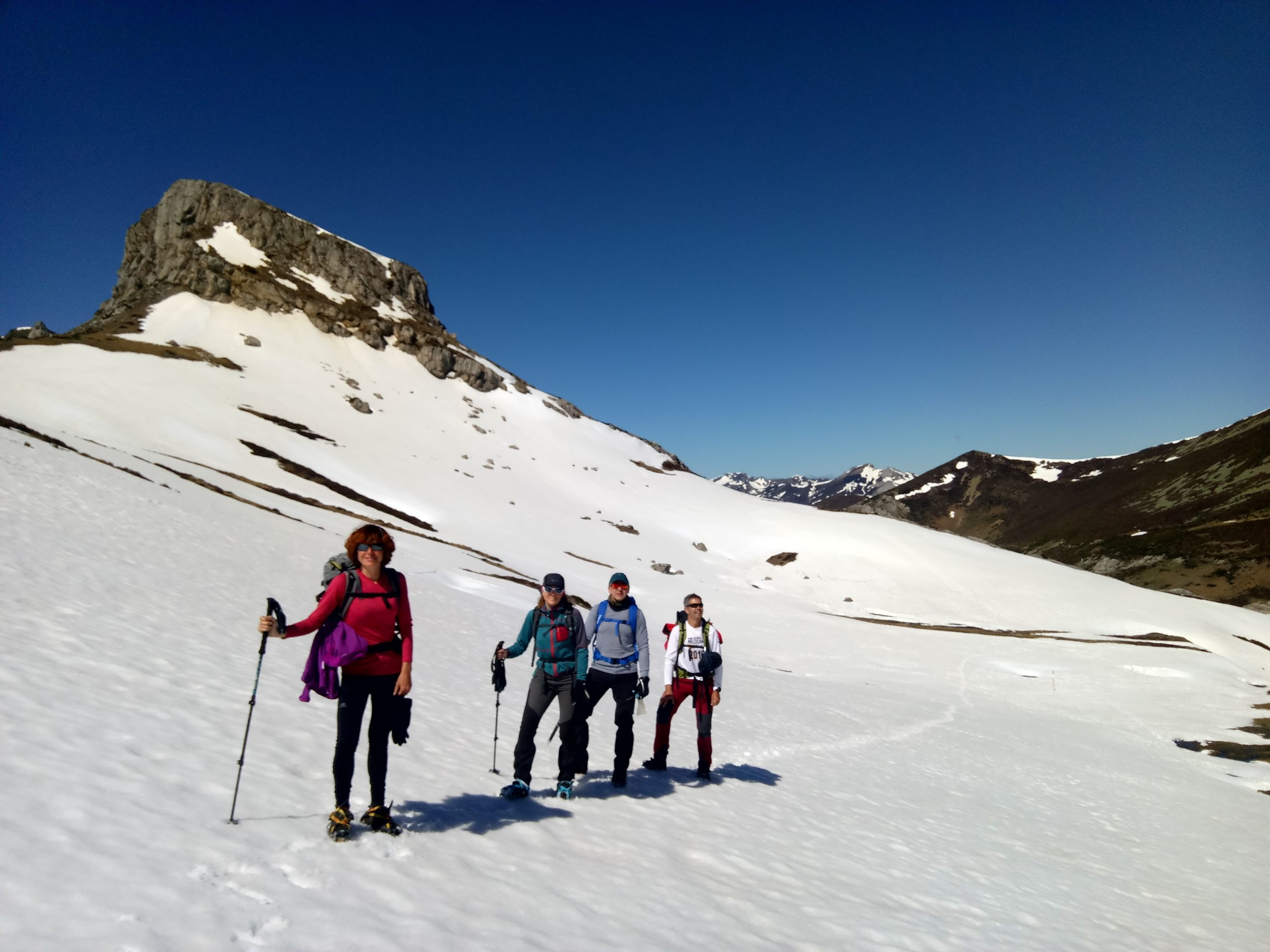 Tres provincias, Pico Murcia y Coriscao con raquetas de nieve. Colosos de la Cordillera Cantábrica