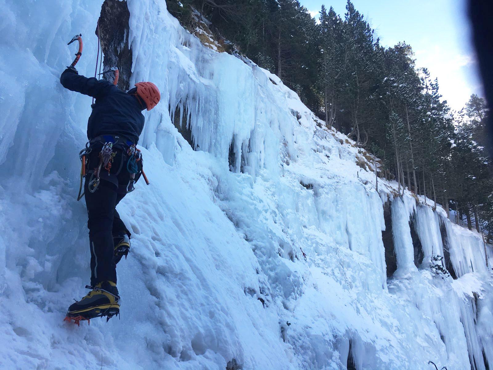 Curso de escalada en hielo (Sierra Nevada)