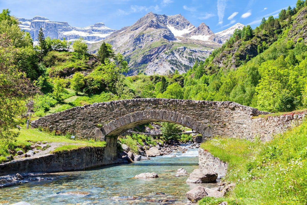 Senderismo en Parque Nacional de los Altos Pirineos. Pirineo francés