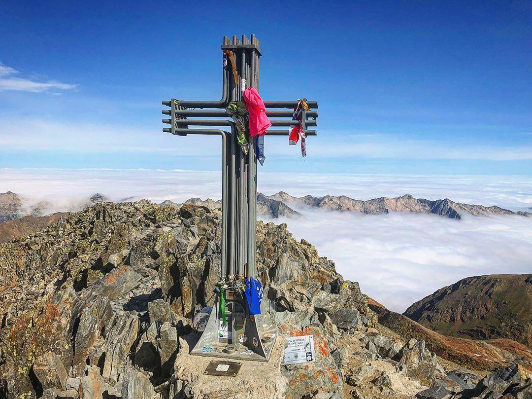 Ascenso a la Pica d ´Estats por la Cresta Gabarró. Pirineo Catalán