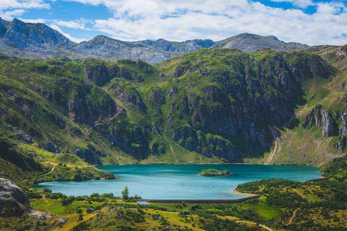 Senderismo en el Parque Natural de Somiedo. Asturias.