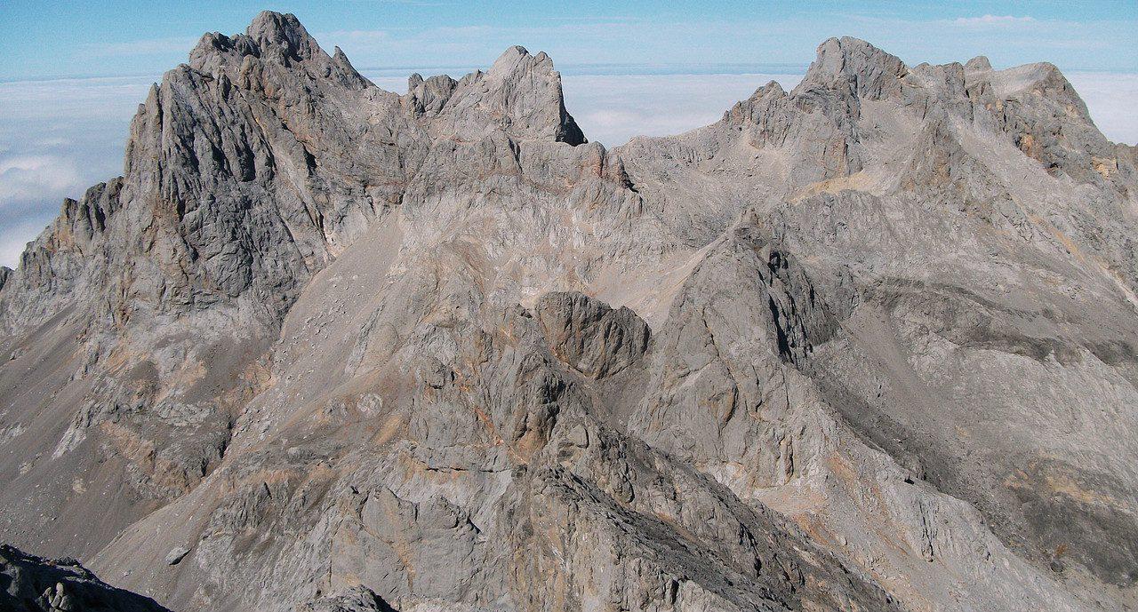 Ascensiones míticas en los Picos de Europa. Macizo Central y Macizo Occidental
