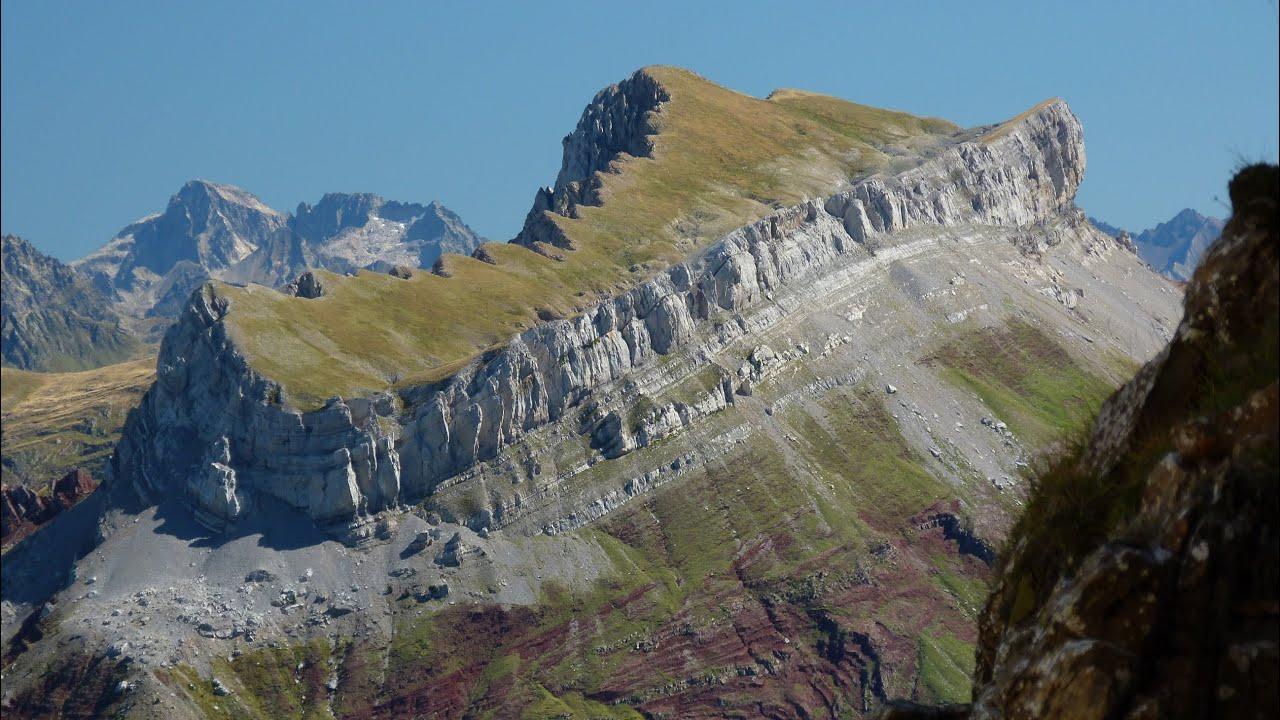 Ascensiones en los Valles Occidentales. Hecho y Ansó. Pirineo Aragonés