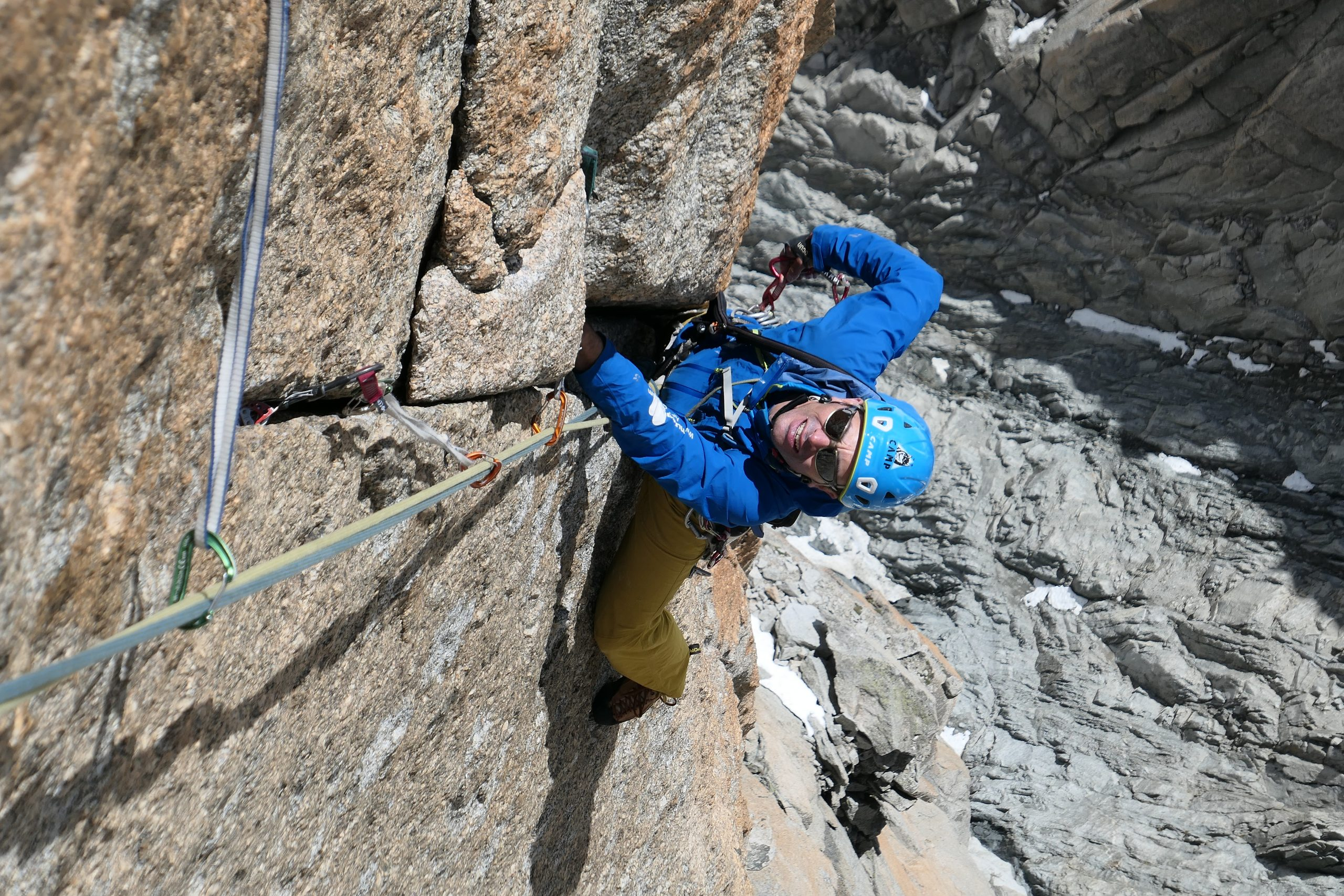 Curso de escalada en roca. Nivel 3 (vías de varios largos desequipadas). Madrid
