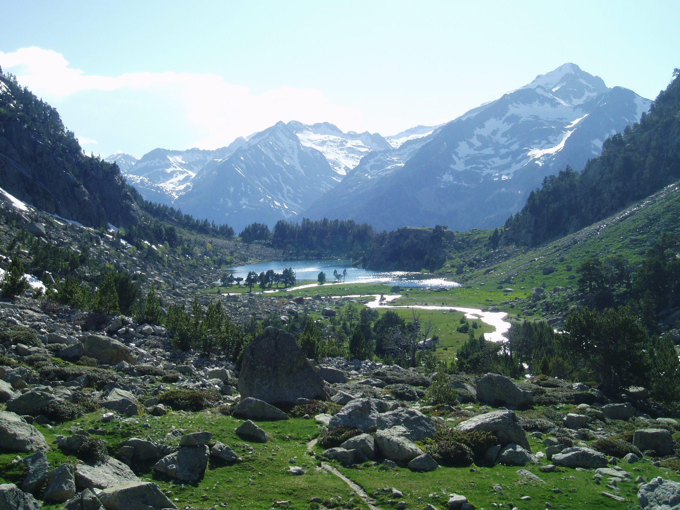 Excursiones solitarias del Pirineo. Ribagorza (Aragón) y la Alta Ribagorza (Cataluña)