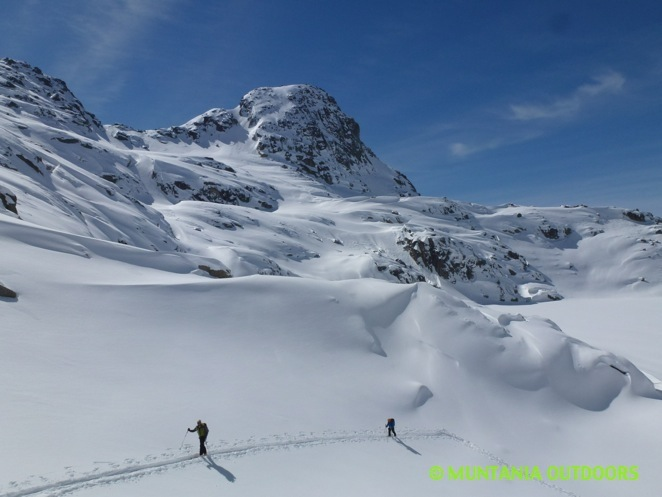 Trekking invernal y ascensiones. Parque Nacional Aigüestortes y Lago San Mauricio